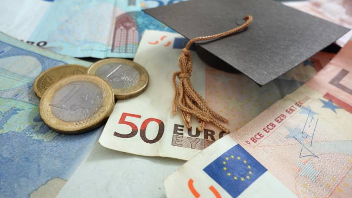 studenti buone notizie raddoppiato fondo borse di studio