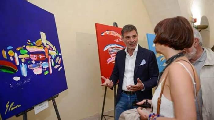 i dipinti di gesuino pinna in mostra al magic house di salerno