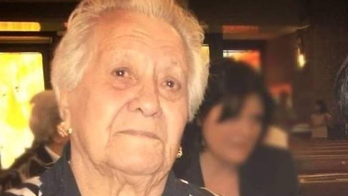 auguri nonna luigia che oggi compie 100 anni