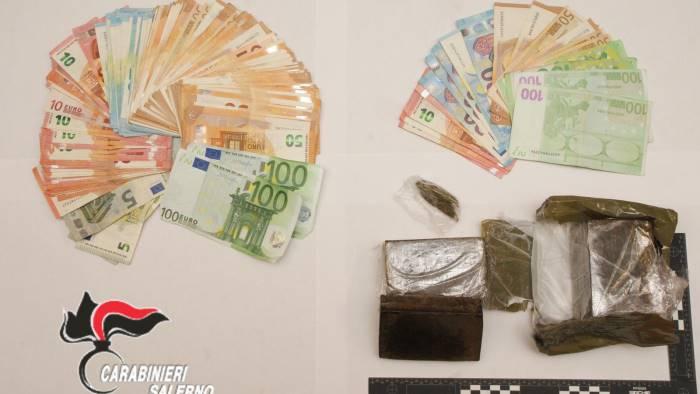 trovato in via nazionale con hashish e marijuana arrestato