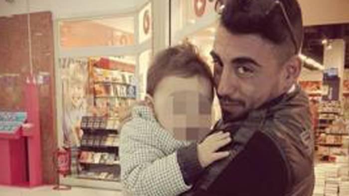 bimbo ucciso dal patrigno in aula la testimonianza del medico