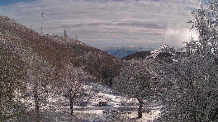 neve a montevergine panorama mozzafiato in vetta al partenio