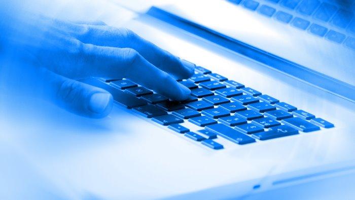 cyber attacco alla leonarda presi dati militari strategici