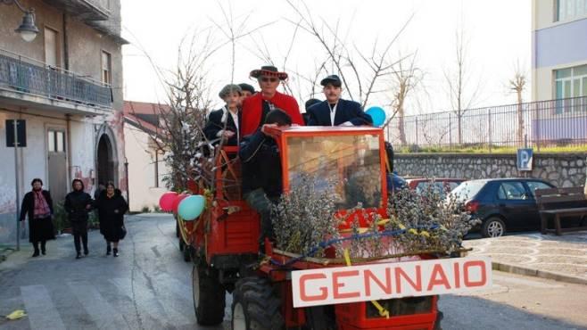 a taurano la tradizione del carnevale quadriglie e mesi
