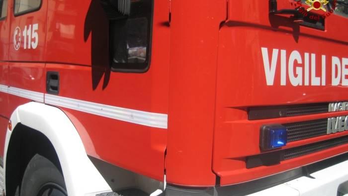 Uomo muore schiacciato dal suo camion: tragedia alla Sanità, a Napoli