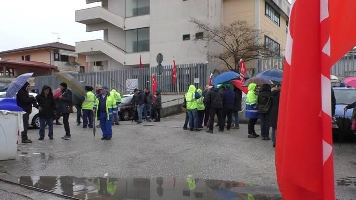 Poste, sale utile 2017, scioperi frenano crescita settore pacchi