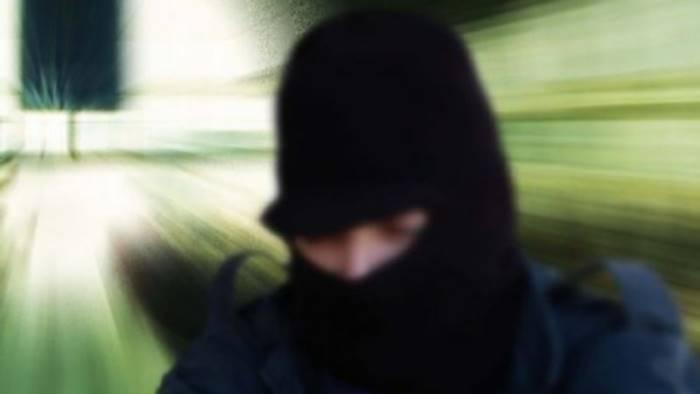 rapina in un abitazione terrore per una famiglia
