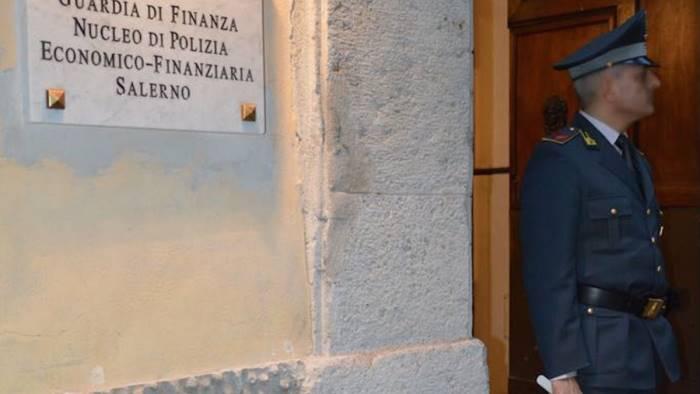 Società nasconde al fisco oltre 4 milioni di euro: denunciate due persone