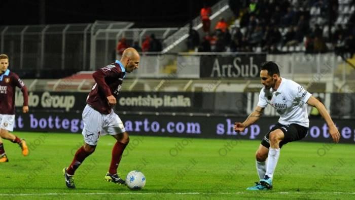 Primo tempo, Salernitana - Parma 0-1 con Dezi. Granata sfilacciati alla distanza