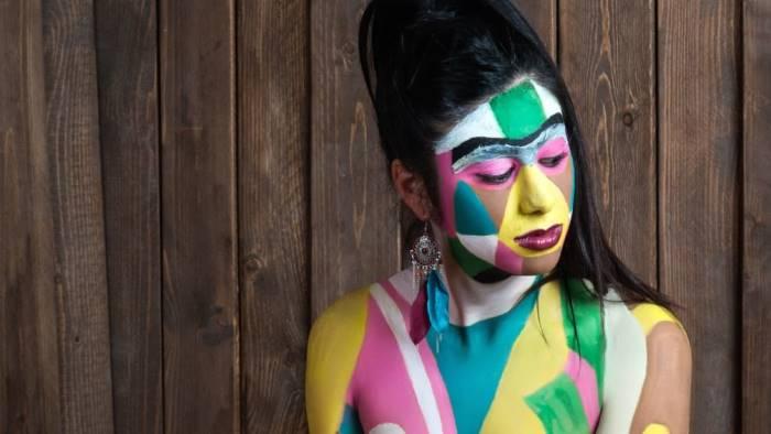 body painting la bella clotilde diventa un opera d arte