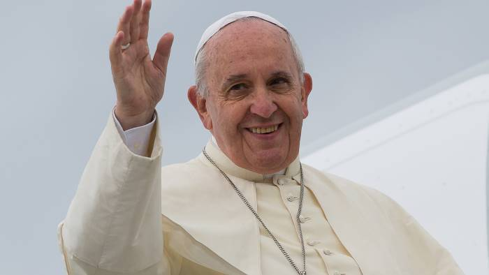 papa francesco torna a napoli