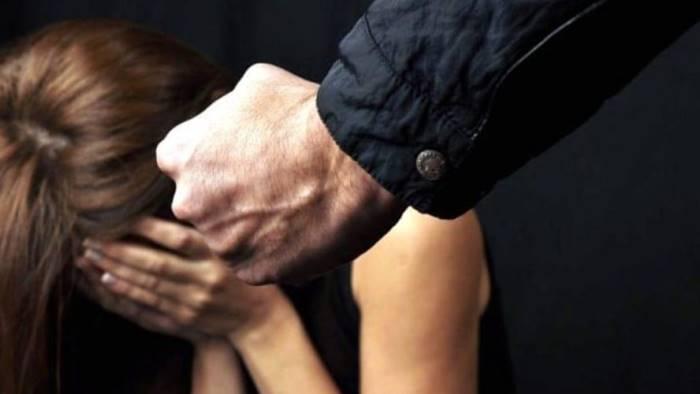 ragazzina aggredita da coetaneo a calci finisce in ospedale
