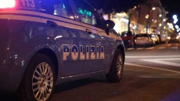 scampia 37enne arrestato per spaccio dalla polizia