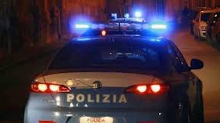 rapinatore violento arrestato dalla polizia a napoli