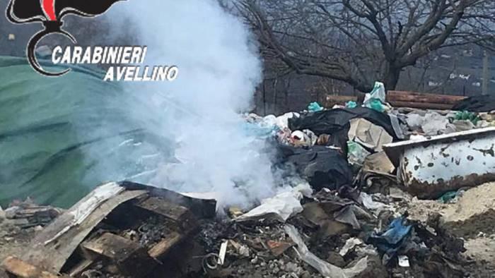 smaltimento rifiuti mediante combustione denunciato