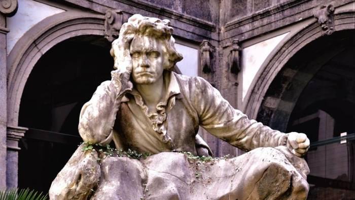 conservatorio torna al suo splendore la statua di beethoven