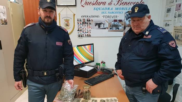 200 grammi marijuana in casa arrestato 24enne di pietrelcina
