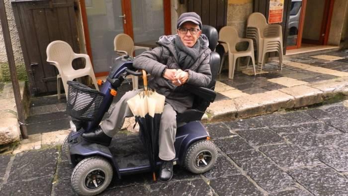 campagna gravi insulti ad un uomo disabile perche leghista