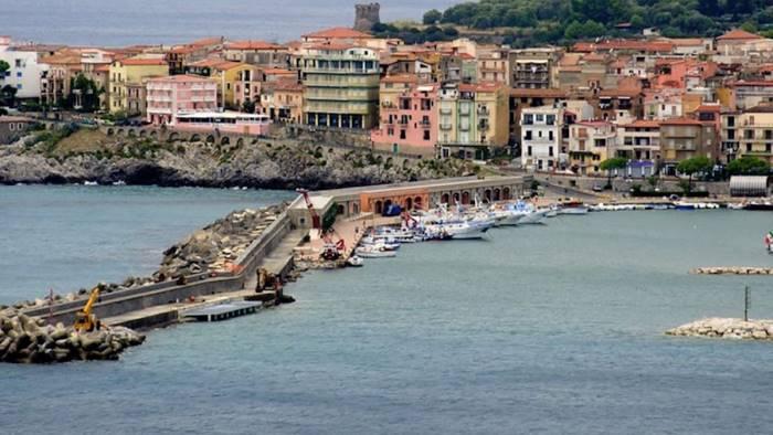 porto di marina di camerota arrivano 6 4 milioni di fondi