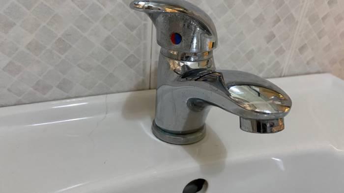 intervento sulla condotta sospensione idrica a salerno