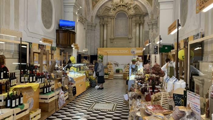 al marcato di sant apollonia tra cibo arte e cultura