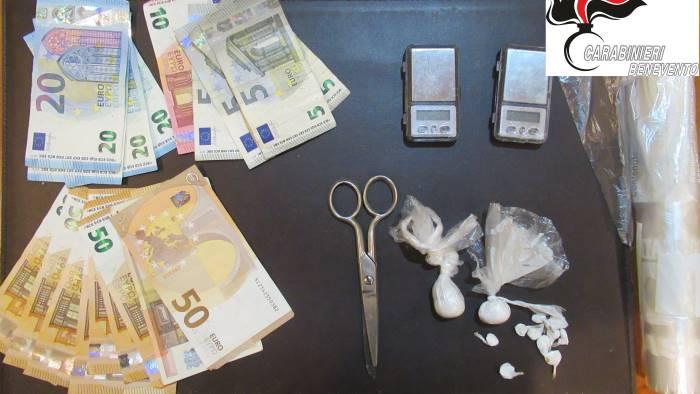 coca nel cinturino dell orologio e in casa arrestato 58enne