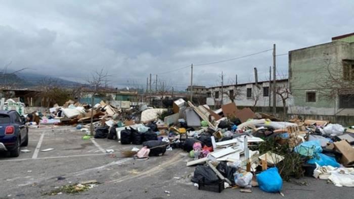 crisi rifiuti senza fine a torre del greco