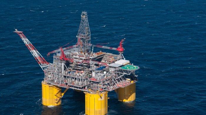petrolio maraia m5s scontata la sospensione dei permessi