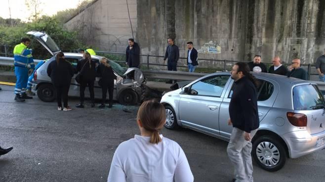 Somma Vesuviana. Violento incidente, muore 28enne e 2 bimbi feriti