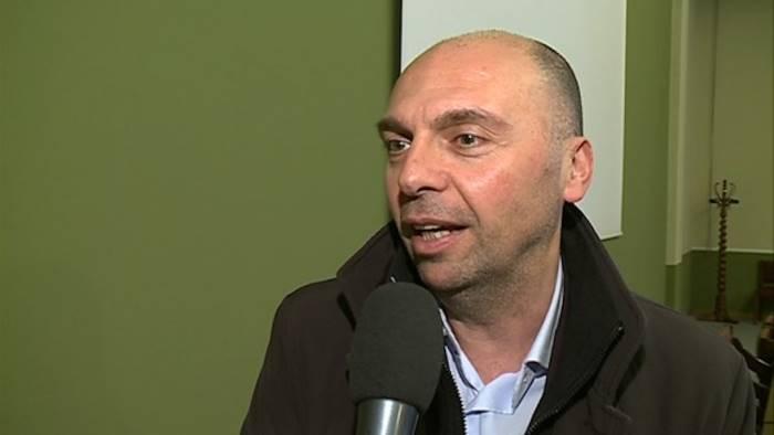 napoli-e-una-fogna-il-sindaco-di-cantu-chiede-scusa