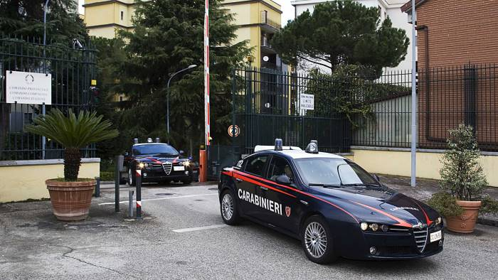 rapina in gioielleria in romania arrestato 21enne di colle