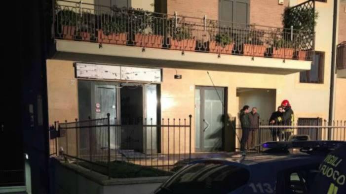 bomba contro negozio a valle chiesti 24 anni per i 2 imputati