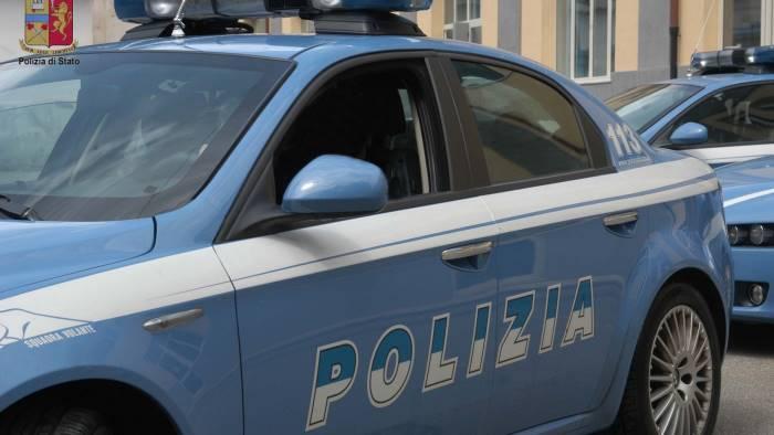 ferisce 3 uomini fermato 20enne immigrato ospite in irpinia