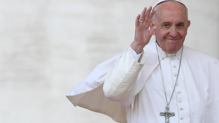 Papa a Pietrelcina, fedeli dall'estero