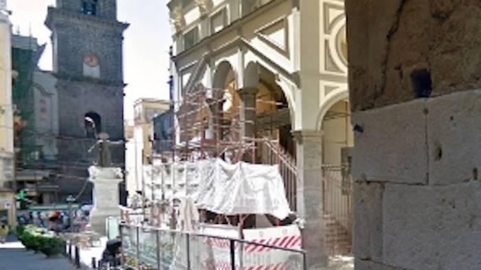 Napoli, crollo di ex monastero: 4 operai feriti