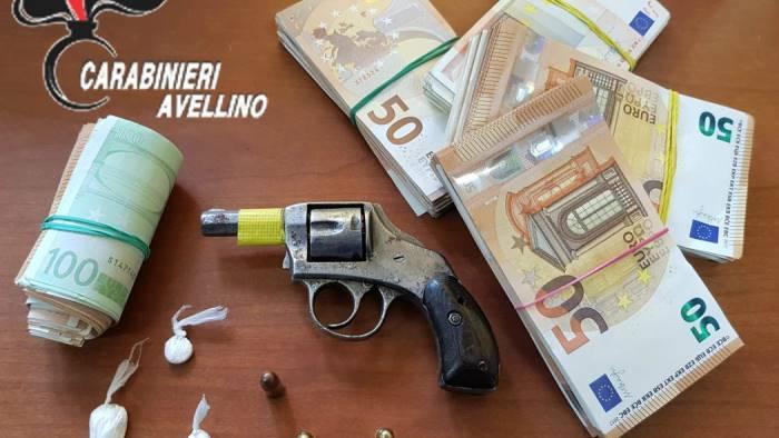 in auto con coca pistola e migliaia di euro arrestato 40enne