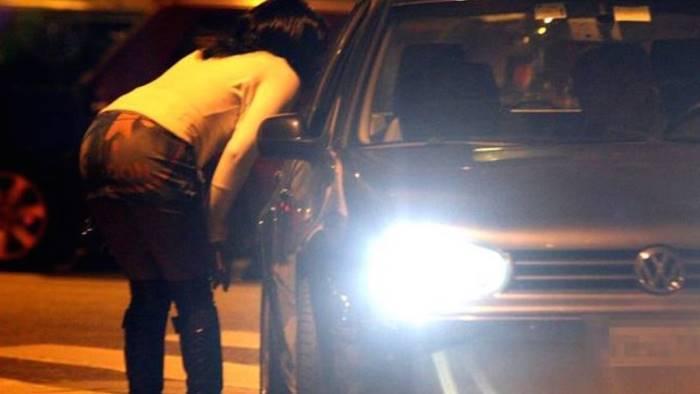 torturano e violentano una prostituta per ore arrestati