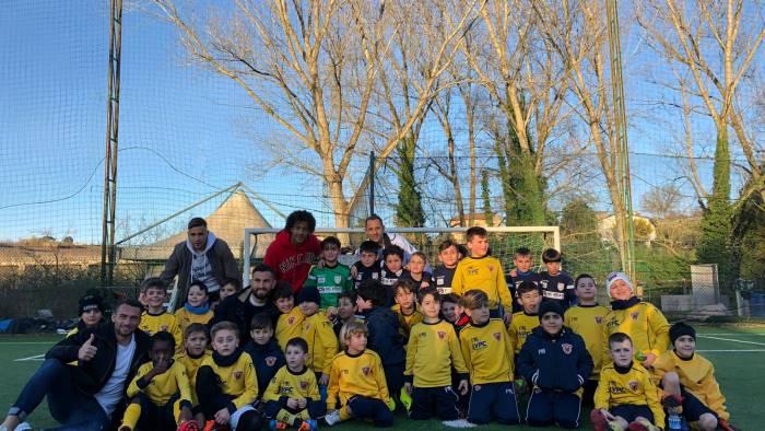 la strega incontra la scuola calcio improta e emozionante