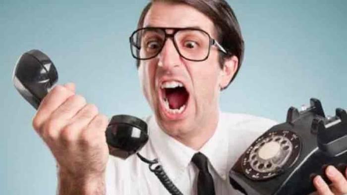 sapendo che si sta in casa call center chiamano di continuo