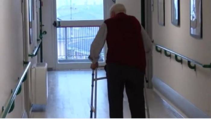 troppi anziani malati in case di riposo allarme dei sindacati
