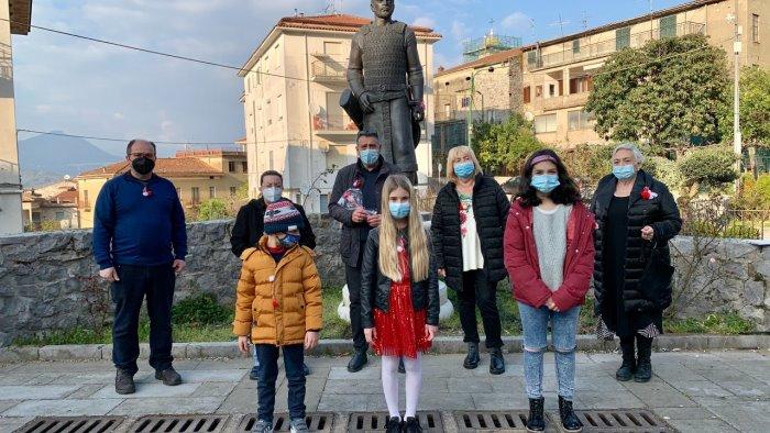 celle di bulgheria studenti celebrano l arrivo della primavera
