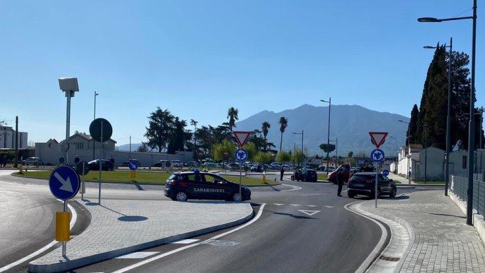 pomigliano d arco carabinieri presidiano le strade