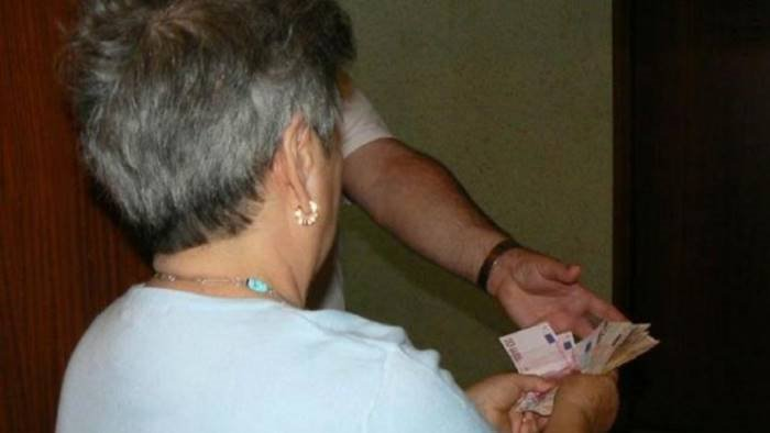 nonna mi servono i soldi per i libri ma e una truffa