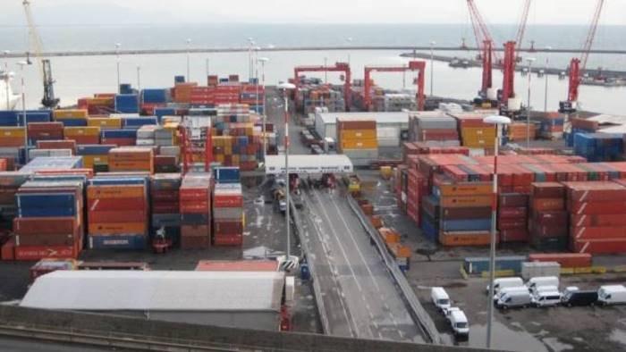nave sospetta controllo anti immigrazione al porto di salerno