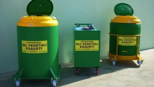 ancora disponibili i contenitori per gli oli esausti