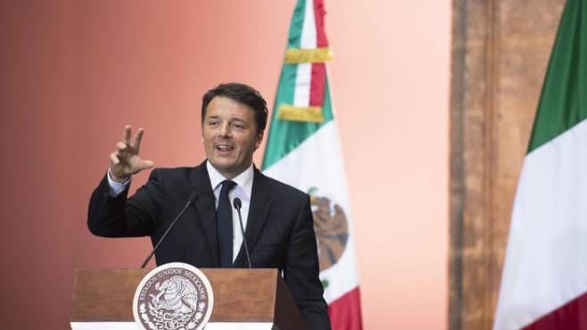 Renzi e De Luca firmano a Napoli il
