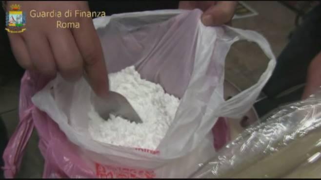 Traffico di droga dall'Ecuador al porto di Salerno: blitz della Finanza