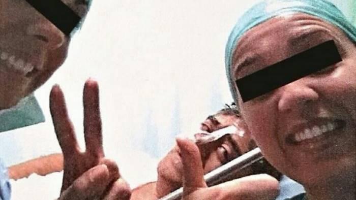 Il ministero della Salute ha vietato i selfie in sala operatoria