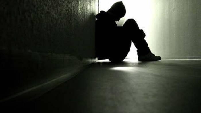due suicidi in poche ore interrogano le nostre coscienze