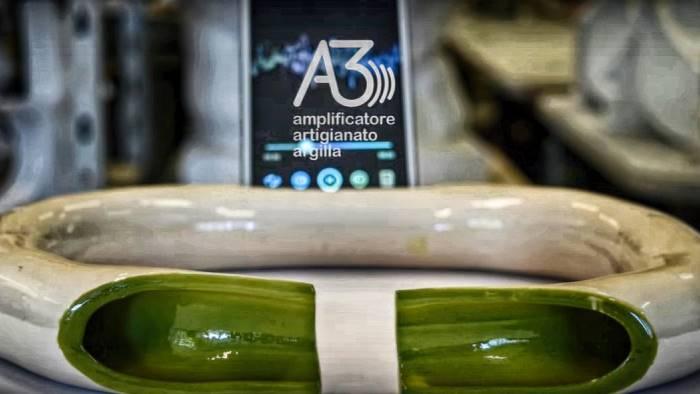 abbiamo inventato l amplificatore naturale per smartphone